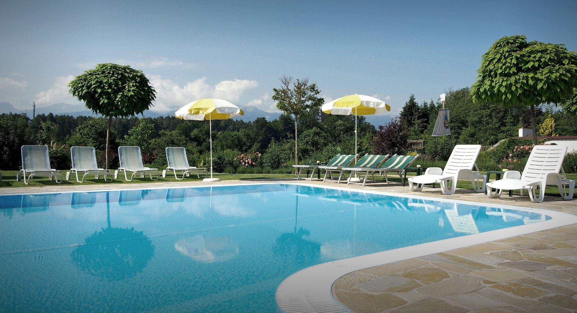 Außenpool im Vitalhotel in Velden, 4 Sterne Hotel Marienhof